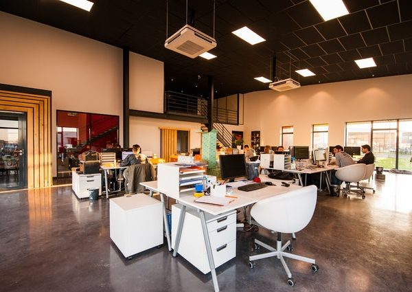 Hiring A Designer To Design Your Workplace: Yes or No?